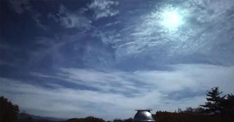 影/關東夜空出現「銀白火球」高速撞進民宅 隕石碎片找到了
